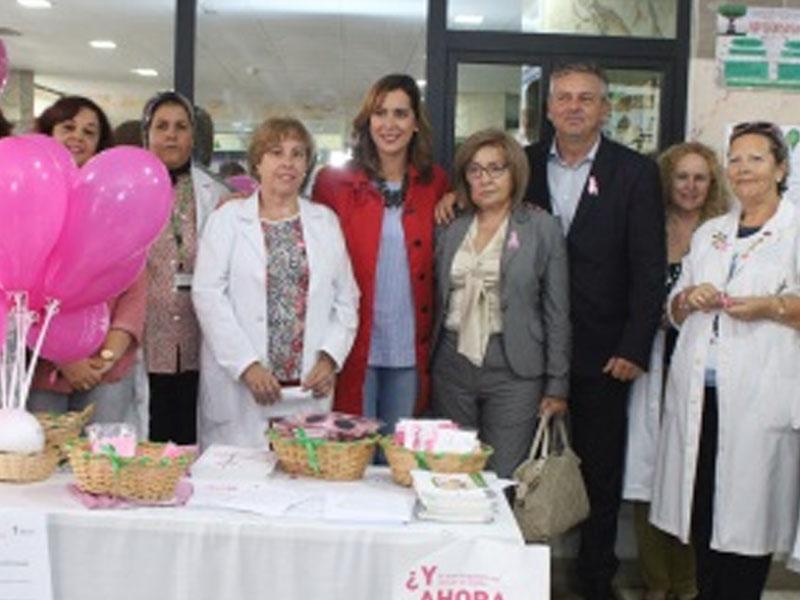 La mesa del día mundial del cáncer de mama destaca la importancia de la prevención